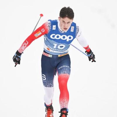 Harald Østberg Amundsen korsar mållinjen.
