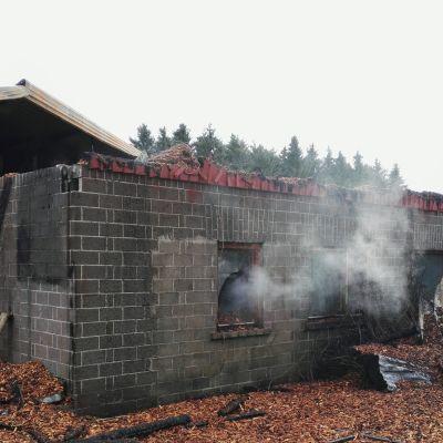 Tulipalo Mäntyharju nautatila