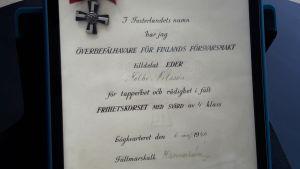 Diplom av marskalk Mannerheim till Folke Nilsson