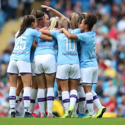 Manchester City juhlii ennätysottelussa