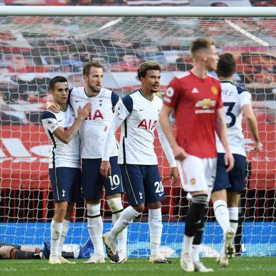 Tottenham tuulettaa.