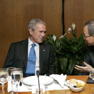 George Bush träffar Ban Ki-moon