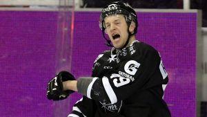 Ilkka Heikkinen har imponerat i TPS backbesättning.