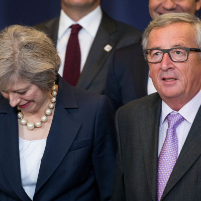 Storbritanniens premiärminister Theresa May och EU-kommissionens ordförande Jean-Claude Juncker