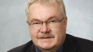 Pekka Kataja är Sannfinländarnas valchef i Mellersta Finlands valkrets. Han är också partikamraten Jouni Kotiahos riksdagsassistent.