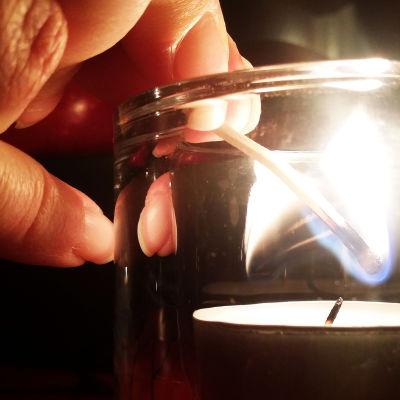 kynttilä,