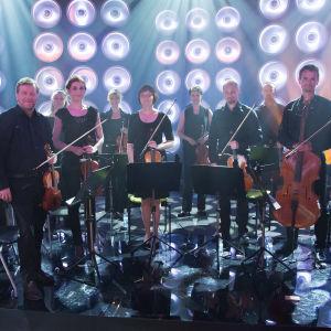 Vantaan Viihdeorkesteri Ensemble SuomiLOVEn 2. kauden studiossa.