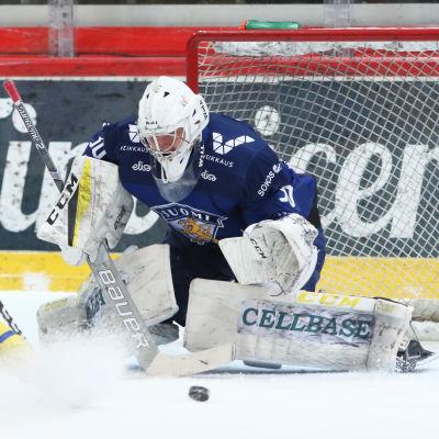 Justus Annunen räddar ett svenskt friläge.