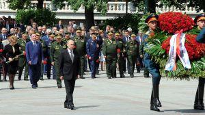 Putin under minnesceremoni efttr andra världskriget.