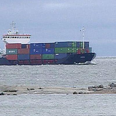 Rahtilaiva merellä