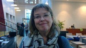 Professori Kaija Saarikettu