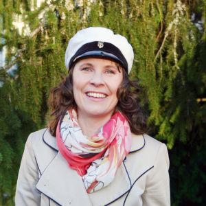 Maria Nylund med studentmössa.