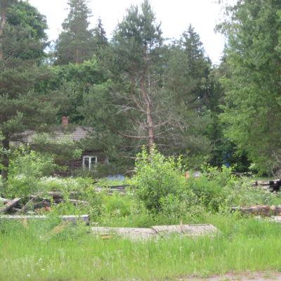 Nyby gästgiveri brann 2006 och är fortfarande inte upprett.