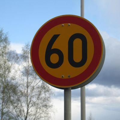 Hastighetsbegränsning 60 km/h.
