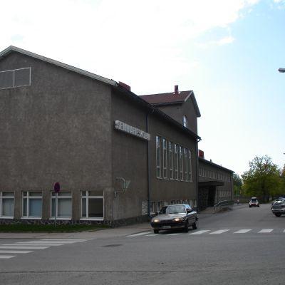 Seminarieskolan i Ekenäs centrum.