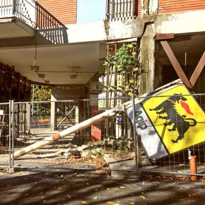 Skador efter jordbävning i L'Aquila i Italien