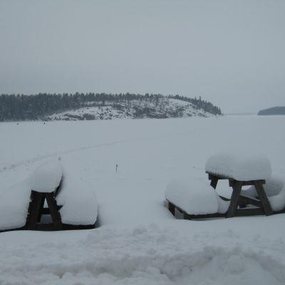 Havet i Bromarv i vinterskrud
