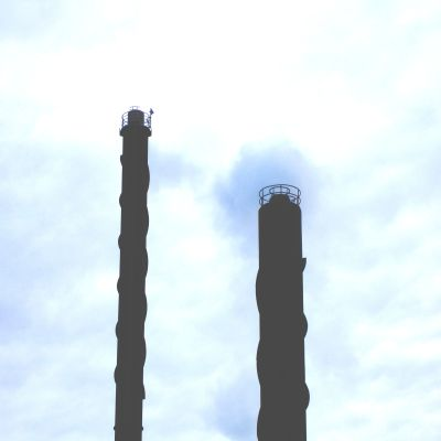 Ekenäs Energis skorstenar vid flisverket i Björknäs.