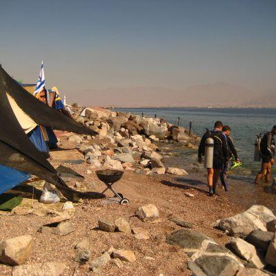 På väg ut till dykplatsen The Lighthouse i Eilat