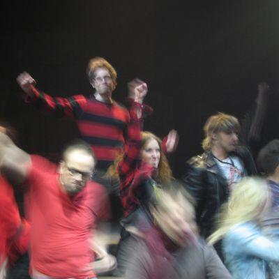 Musikalen RENT, rolig och rörande om ungdom i kris