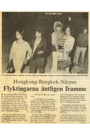 Tidningsurklipp från Vasabladet i november 1988. Rubrik: Hongkong-Bangkok-Närpes. Underrubrik: Flyktingarna äntligen framme.