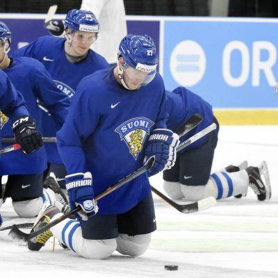 Efter tisdagens vilodag tränade Lejonen på onsdag för fullt i Ostrava.