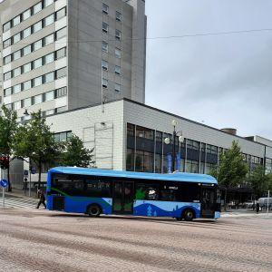 Elbuss i Lahtis centrum.