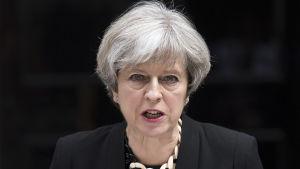 Theresa May utanför Downing Street nummer 10.