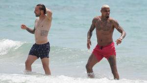 fotbollspelare på stranden