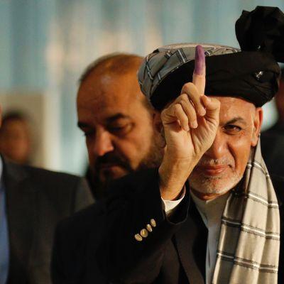 Den impopuläre presidenten Mohamma Ashraf Ghani försöker bli omvald i presidentvalet den 20 april nästa år