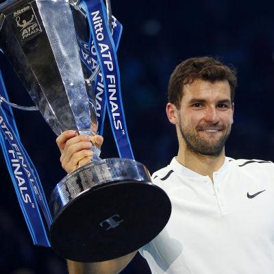 Grigor Dimitrov segrade i ATP-slutspelet i tennis.