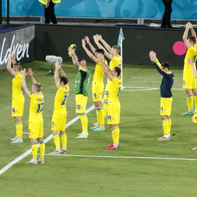 Ukrainan joukkue kiitti kannattajiaan Roomassa.