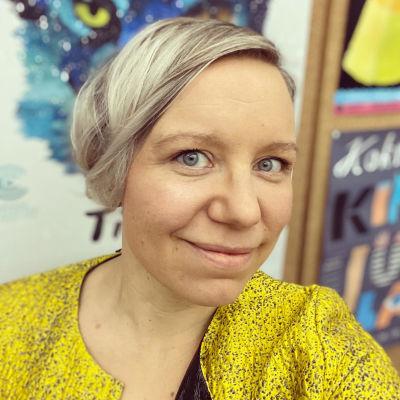 Illustratören Elina Warsta.