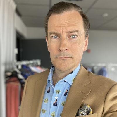 André Wickström på inspelning av Solsidans sjunde säsong.