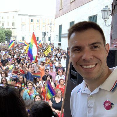 Gabriele Piazzoni, generalsekreterare för Italiens störa hbtq-förening, på Pride i Molise 2019