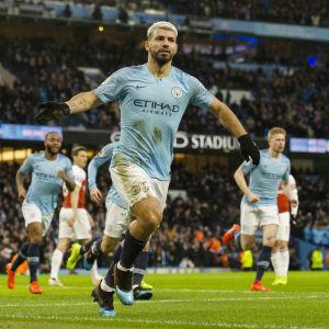 Sergio Aguero jublar efter ett mål