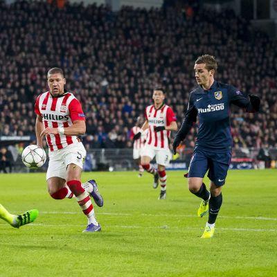Atlético Madrids anfallare Antoine Griezmann lyckades inte göra mål på PSV-keepern Jerome Zoet i den första matchen för några veckor sedan. Bättre lycka i kväll?