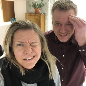 Sonja Kailassaari och Mårten Svartström har huvudvärk av kaffebrist