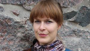 Runoilija Tiina Lehikoinen