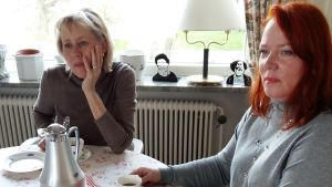 Lotta Malmstedt, Éva Neroth vid kaffebordet