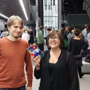 Säveltäjät Anna Huuskonen ja Jouni Hirvelä UNM-festivaalilla