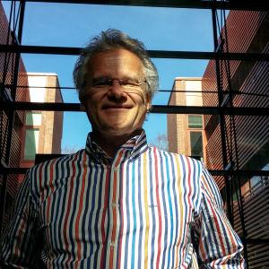 Pekka Tuomaala berättar om forskningsprojekt.