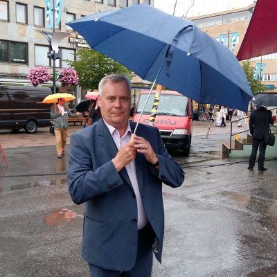 Antti Rinne på torget i Joensuu11.8.2016