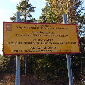 Två tomter i rysk ägo gränsar till Skinnarviks militärområde på Kimitoön.