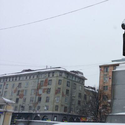 Lenini patsas Punaisen lähteen torilla Viipurissa