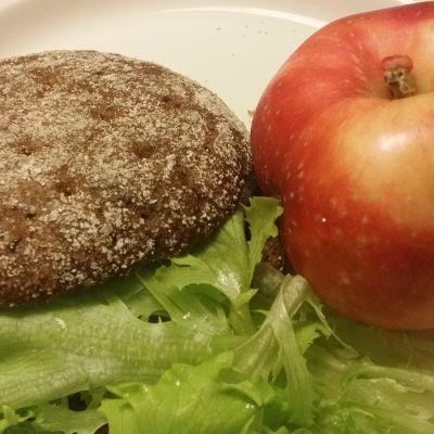 Ruisleipä ja omena