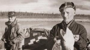 Lokan ja Porttipahdan tekoaltaat peittivät monta asuttua kylää. Oula Aikio piti veden tulosta päiväkirjaa.
