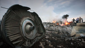 Ukrainassa alas ammutun malesialaiskoneen jäänteitä