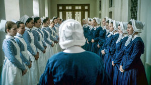 Sairaanhoitajia ja diakonissoja sarjassa Charité
