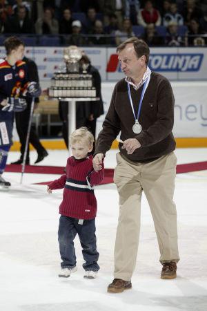 Hjallis Harkimo och sonen Leo Harkimo år 2005